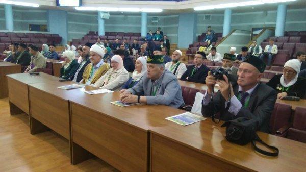 Религиозные деятели со всей России съехались в Казань на форум.