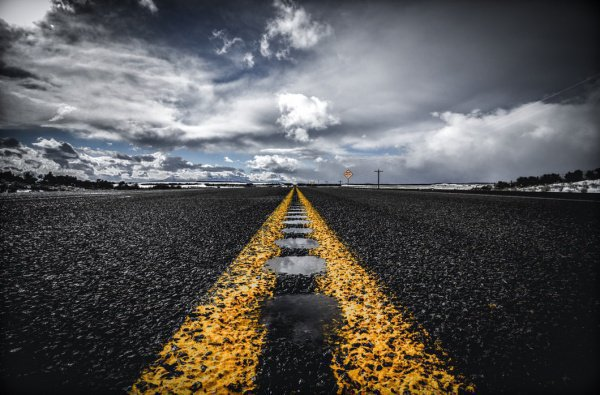 Такие аварии чаще всего случаются из-за выезда на встречную полосу, столкновений и наезда на пешеходов