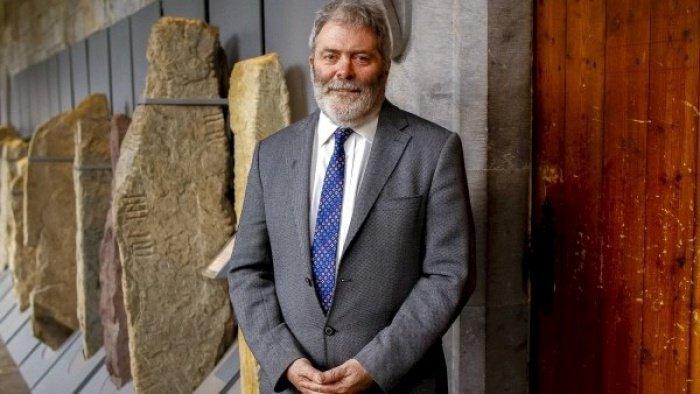 Автор находки, профессор Pádraig Ó Macháin