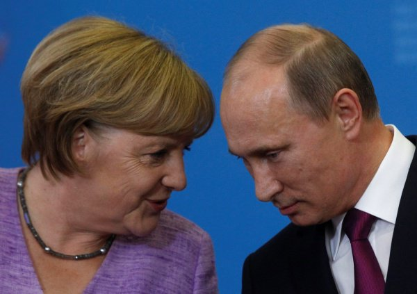 Лидеры России и Германии поддержали деятельность спецпосланников ООН.