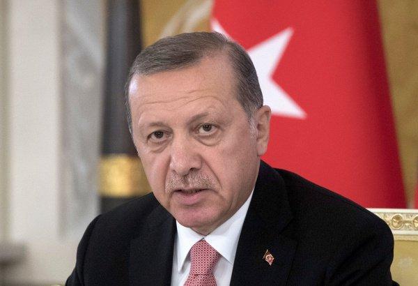 Президент Турции заявил о неспособности страны принять новую волну мигрантов.