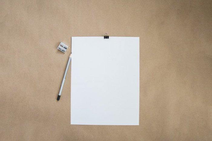 19-летняя Эими Хага написала сочинение невидимыми чернилами