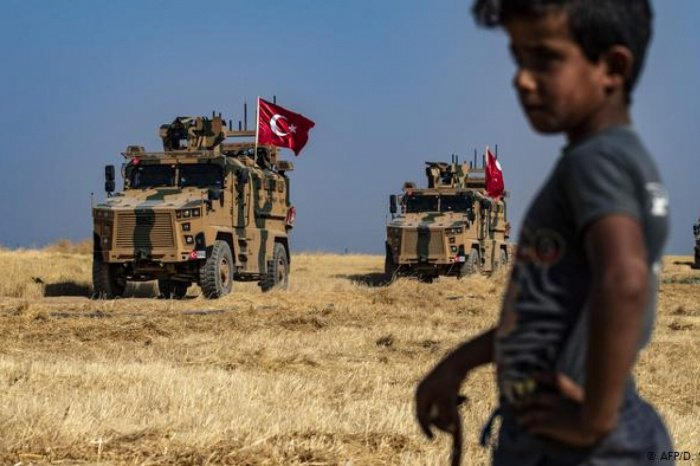 Турция ввела войска в Сирию 9 октября.