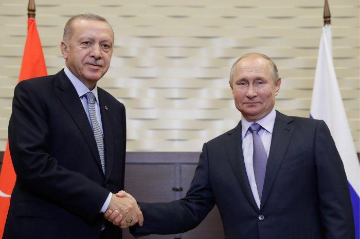 Президенты России и Турции провели переговоры в Сочи.