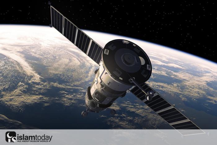 Египет намерен запустить первый военный спутник связи
