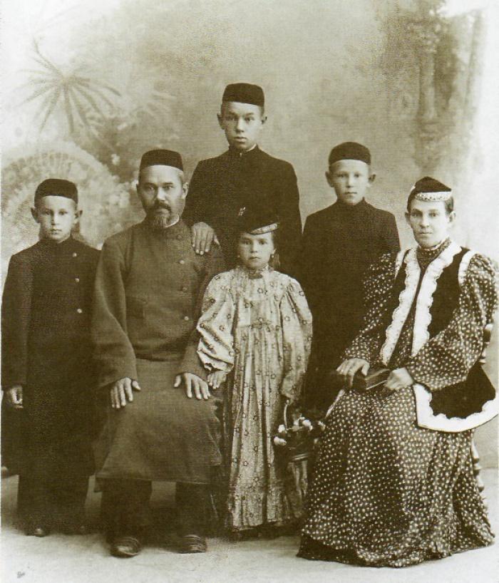 Ризаэддин Фахреддин с семьей