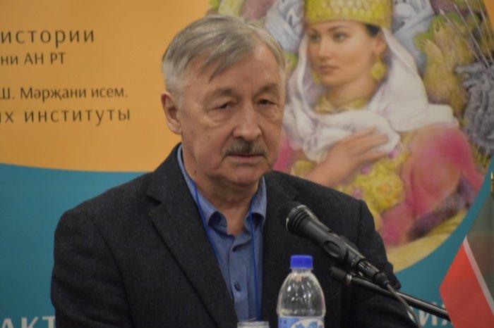 директор Института истории им. Ш.Марджани АН РТ Рафаэль Хакимов