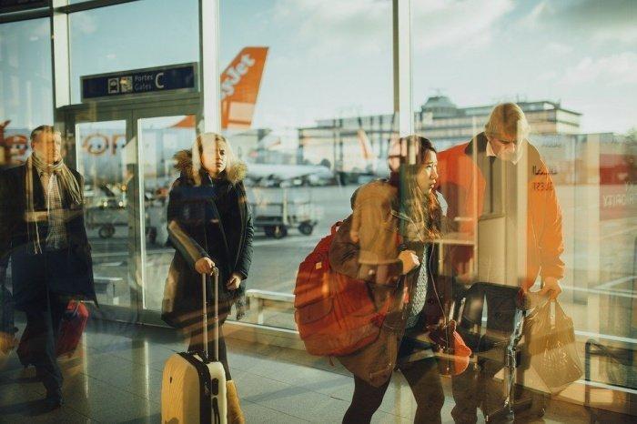 По данным аналитиков, самыми выгодными для поездок за границу станут путешествия в Минск за 6,5 тыс. рублей (31 декабря — 3 января) и в Лондон за 7,3 тыс. рублей (28 декабря — 3 января)