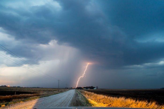 2020 год начался с того, чем закончился 2019 - с событий, оказывающих сильное влияние на погоду и связанных с климатом
