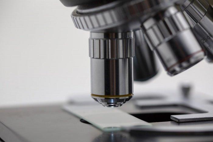 Появление вакцины через год - это крайне оптимистичный прогноз
