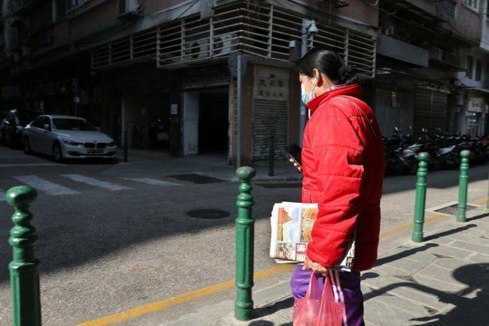 Пациентка 96 лет с коронавирусом была выписана из больницы при медицинском колледже Чжецзянского университета