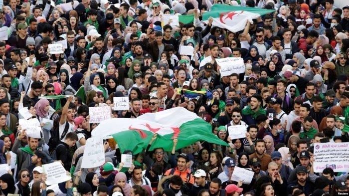Антиправительственные протесты начались в Алжире 22 февраля 2019 года.