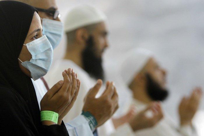 Верующие не смогут посетить главные святыни ислама в ближайшее время.