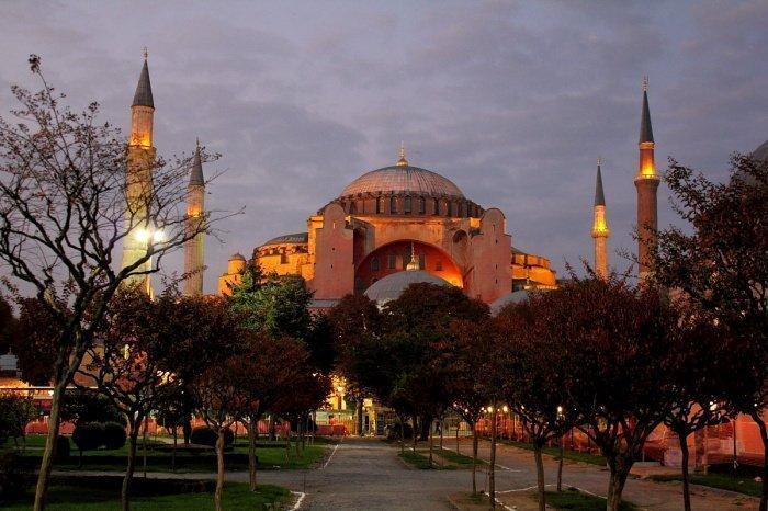 Власти Турции хотят вернуть Айя-Софии статус мечети.