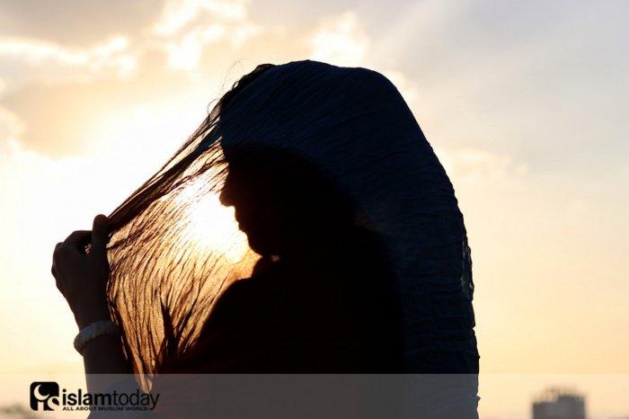 Что делать мусульманке: оставить свои убеждения или быть верной религиозным предписаниям Ислама? (Источник фото: freepik.com)