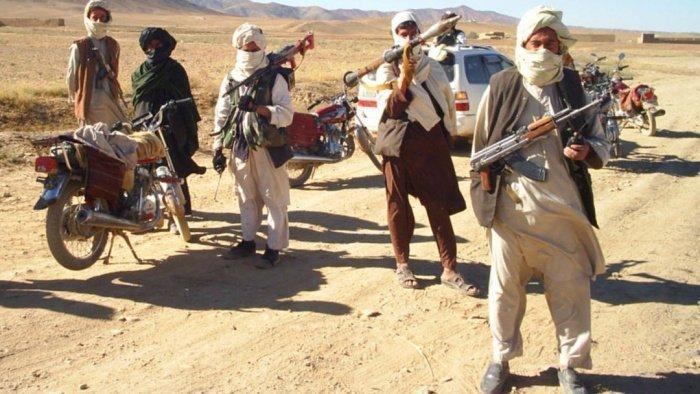 Талибы объявили о временном прекращении огня.