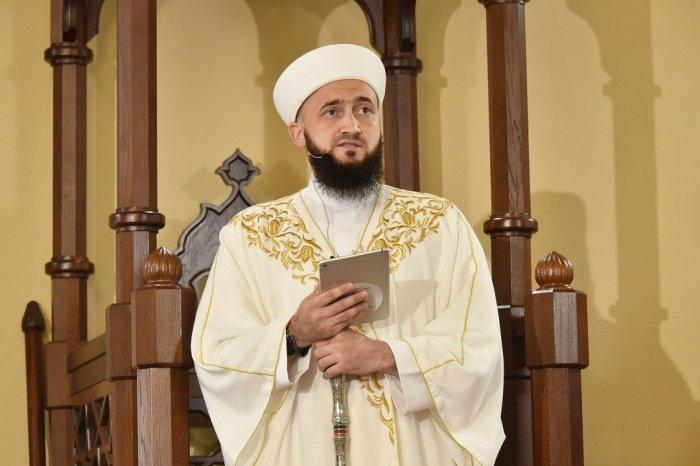 Камиль Самигуллин обратился к мусульманам с праздничной проповедью.