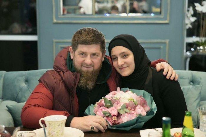 Рамзан Кадыров и его старшая дочь, Айшат.