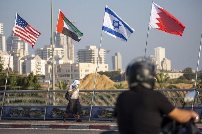 В МИД РФ прокомментировали соглашение Израиля с ОАЭ и Бахрейном.