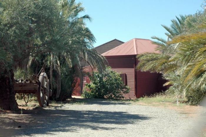 Эта мечеть в шахтерском городе Брокен-Хилл, Новый Южный Уэльс, была первоначально построена афганскими погонщиками верблюдов
