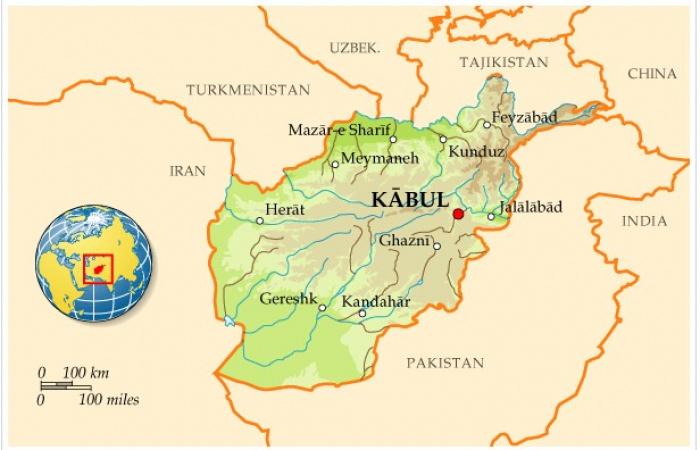 Карта Афганистана с основными городами и внешним окружением