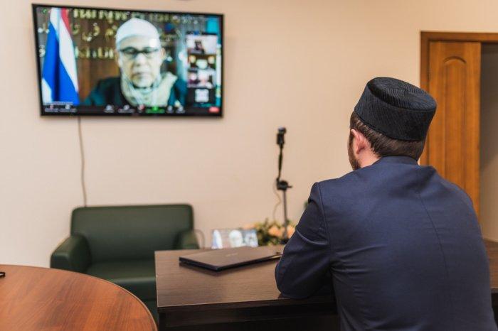 Рамиль хазрат Гиззатуллин рассказал о деятельности ДУМ РТ на совещании ОИС.