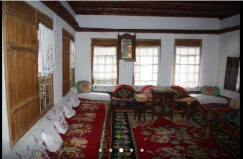 Главная комната в хáраме (гареме) дома шариатского судьи-кадия Кайтаджа-эфенди в г. Мостар (Босния и Герцеговина)