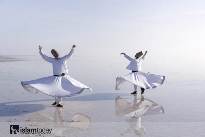 Мудрость стихотворений Джалал ад-Дина Руми? (Источник фотографий: themuslimvibe.com)
