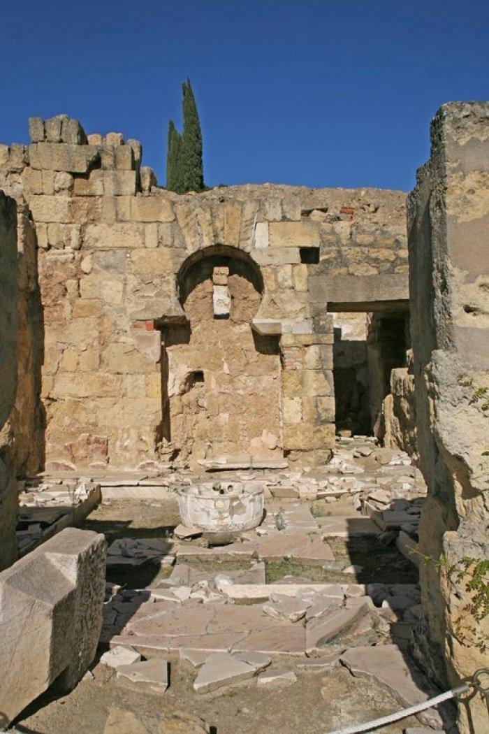 Остатки Андалузского фонтана, Медина-Азахара, Кордова, Андалусия, Испания