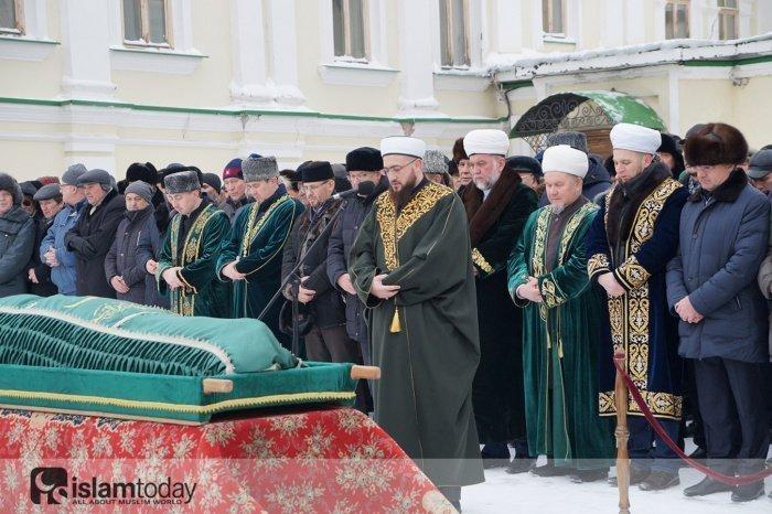 Джаназа-намаз. (Источник фото: dumrt.ru)