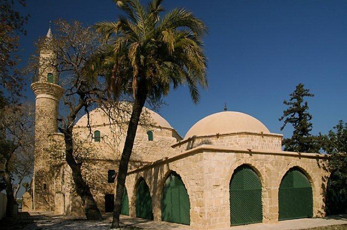 Мечеть Кипра, построенная на месте, где погибла тетя Пророка Мухаммада (Источник фото: ilmfeed.com)