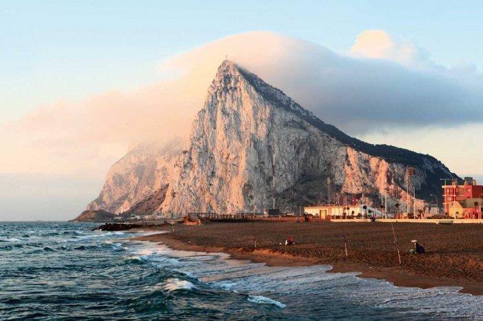 Как связаны Гибралтарская скала и великий исламский полководец?