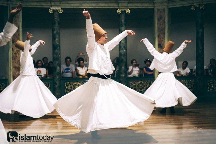 Кого впервые назвали суфием? (Источник фото: pixabay.com)
