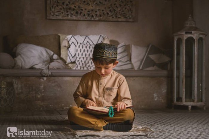 Как относиться к детям, чтобы заслужить довольство Аллаха? (Источник фото: istockphoto.com)
