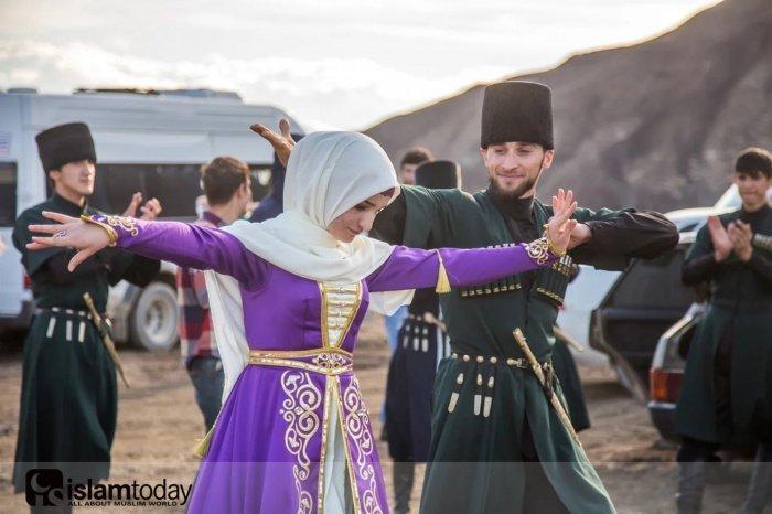 Традиции кавказских народов (Источник фотографий: yandex.ru).