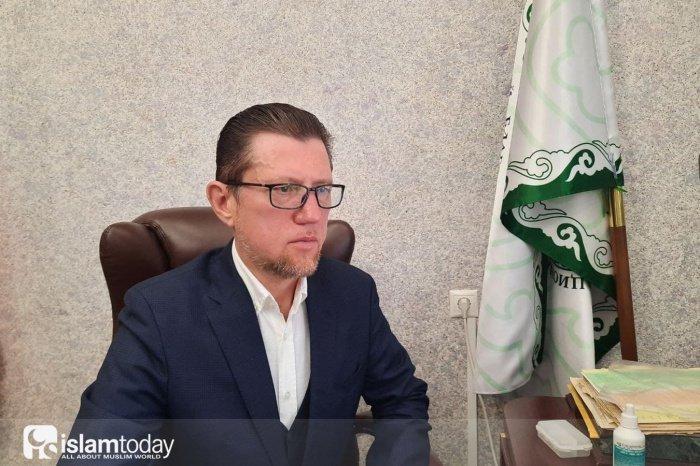 Илдар Баязитов: «Рамадан – это точка отсчёта... Если человек читает пятикратный намаз, считает себя мусульманином, но от него нет никакой пользы, то впору задуматься о полноценности своего видения ислама».