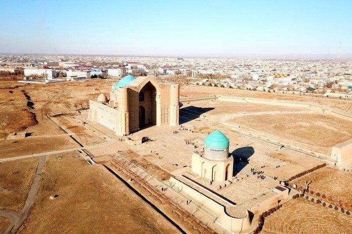 Строительство мавзолея Ходжи Ахмета Яссави велось в период с 1385 по 1405 гг. (Фото: pikabu.ru).
