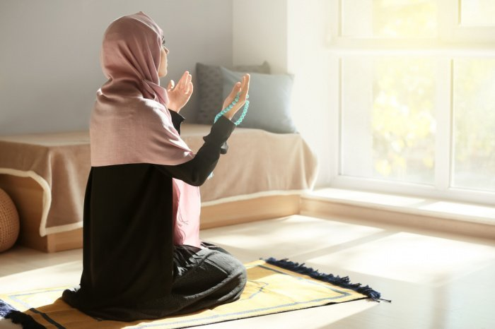 Женщины не смогут достичь совершенства в поклонении (Фото: shutterstock.com).