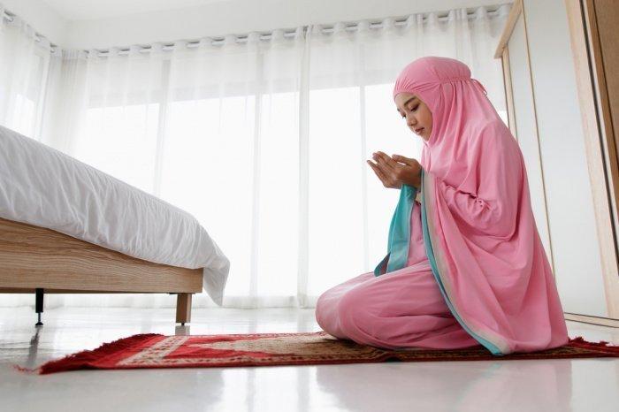 Благодаря этим знаниям мусульманка познает суть единобожия (Фото: shutterstock.com).