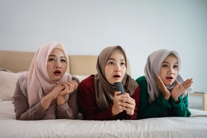 Бесполезное времяпровождение не несет ценности для мусульманки (Фото:shutterstock.com).