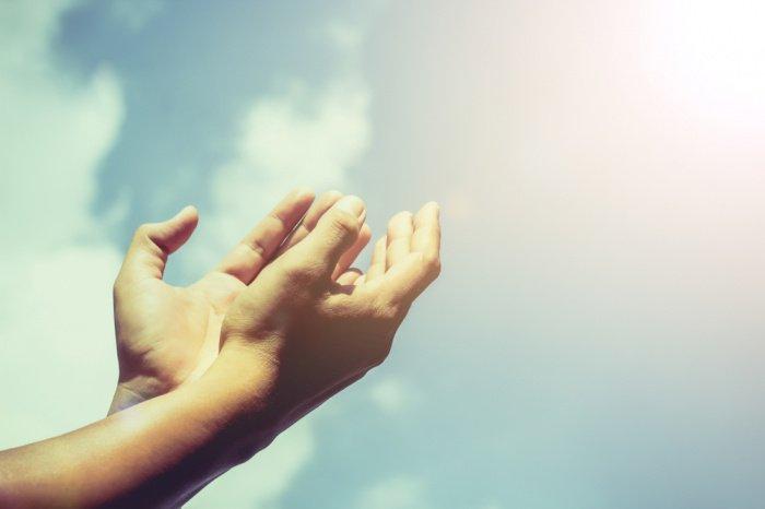 Посланник Аллаха (с.а.с.) обратился ко Всевышнему Аллаху с мольбой (Фото: shutterstock.com).