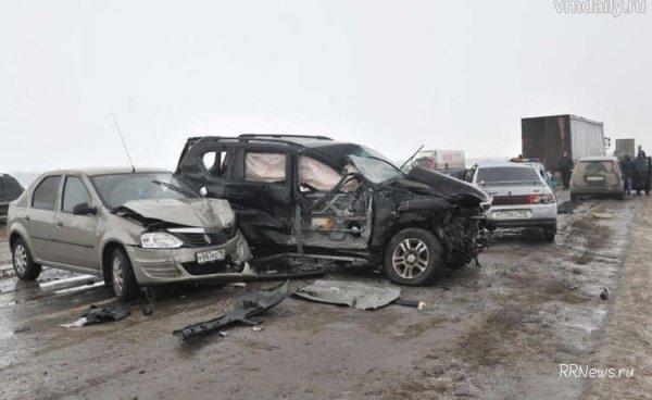 20 машин столкнулись на трассе в Краснодарском крае.