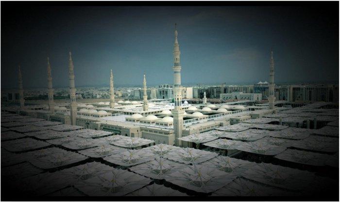 Зонтики мечети Пророка в Медине
