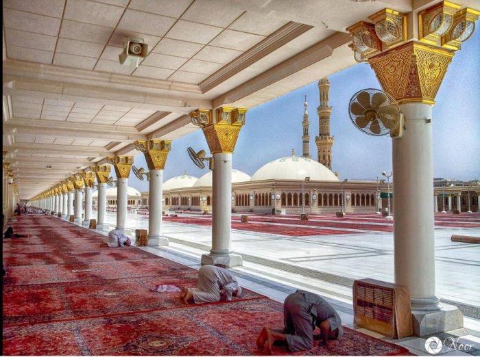 Намаз на крыше мечети Пророка в Медине