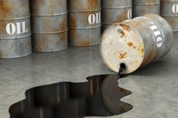Объем продаваемой террористами нефти достигает 400 тысяч баррелей с сутки.