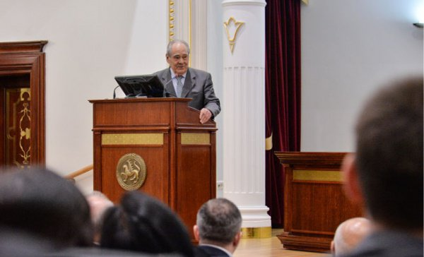 Минтимер Шаймиев на встрече с российскими и армянскими политиками.