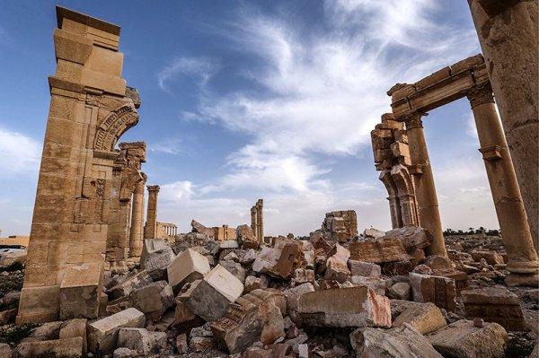 Пальмира - снова в руках террористов ИГИЛ.