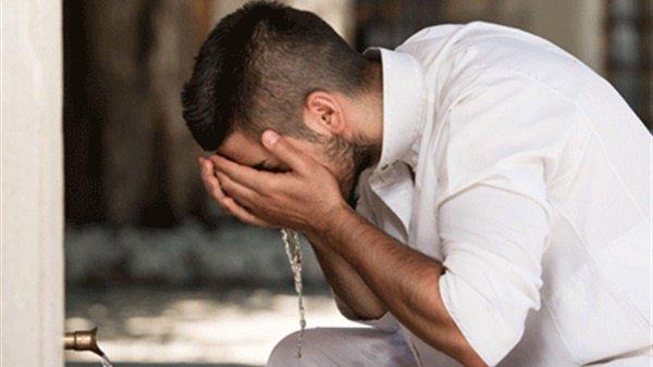 Совершая омовение, верующий избавляется от своих грехов
