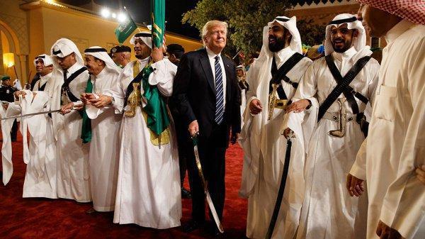 Свое первое зарубежное турне Трамп начал с Саудовская Аравии