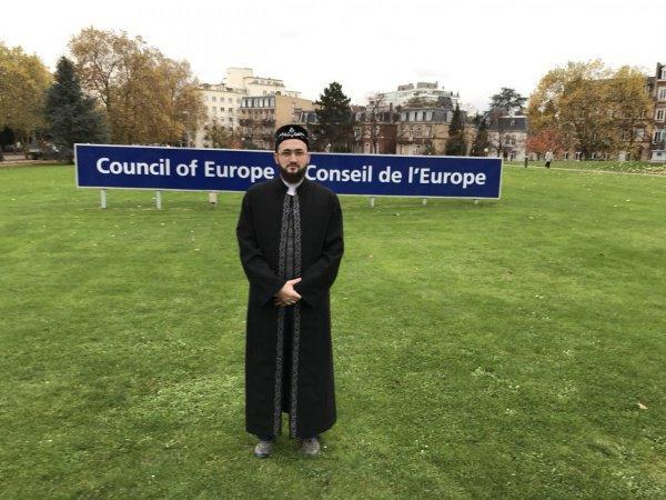 В рамках пребывания в Страсбурге Камиль хазрат также принял участие в официальном деловом ужине